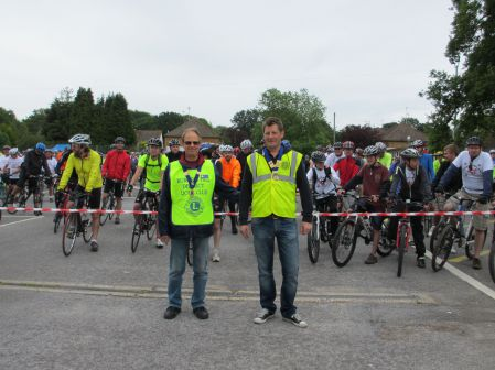 Round Table and Lions Presidents at start of Ride